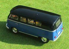 "VW Bus T 1 ""Bulli"" zweifarbig Maßstab ca. 1:32 mit Rückziehmotor Ford Raptor, Vw Modelle, Mercedes Benz, Transporter, Vw T1, Vehicles, Ebay, Autos, Model Car"