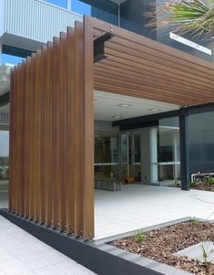 DecoBatten aluminium battens/panels from Decorative Imaging, displayed at Selector Australia. Architects, designers and specifiers can achieve effortless architectural style with the cool, clean and contemporary lines of DecoBatten panels. Patio Pergola, Casa Patio, Patio Roof, Pergola Carport, Design Jardin, Garden Design, House Design, Facade Design, Pergola Attached To House