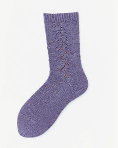 Socken über Socken {Modelle und Garne}   Maschenfein :: Strickblog German English, Lace Detail, Garne, Fashion, How To Knit Socks, Bielefeld, Knitting Socks, Knitting And Crocheting, Awesome Christmas Gifts