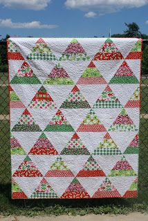 FREEBIES FOR CRAFTERS...Easy Christmas Quilt!!