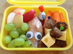 The can of Pandora - Brotzeit - Lunch Bento Box Lunch, Lunch Snacks, Food To Go, Food And Drink, Kindergarten Lunch, Food Humor, Funny Food, Nutrition Education, Healthy Kids