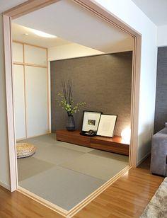 和室-部屋の一角としての和室コーディネート|リビングとの仕切りを間仕切り戸にすることで、部屋を分けたいときは戸を閉め、広く使いたいときは開け放し、フレキシブルに利用できる和室となっています。