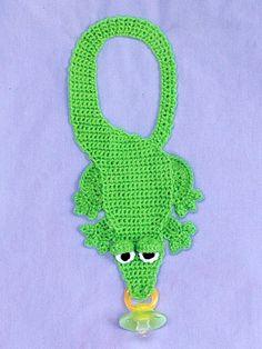 Binky Bibs Like this idea ,think I will make this Crochet Baby Bibs, Newborn Crochet, Crochet For Kids, Crochet Toys, Knit Crochet, Free Crochet, Loom Knitting, Baby Knitting, Crochet Pacifier Holder
