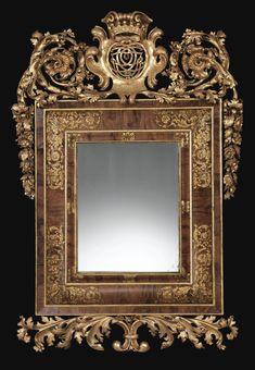 Cadre formant miroir en placage de noyer et bois sculpté et doré, travail flamand du XVIIIe siècle | lot | Sotheby's