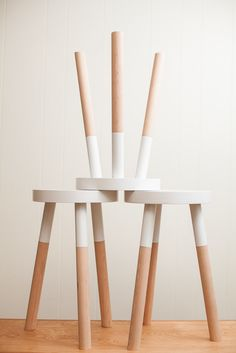 handmade wooden stool - Model Home Interior Design Diy Stool, Wood Stool, Ikea Wooden Stool, Painted Furniture, Diy Furniture, Furniture Design, Paint Dipping, Beton Design, Diy Interior