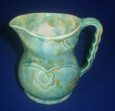 VINTAGE BESWICK MADE IN ENGLAND  MILK /WATER JUG  No 667 SIZE  10 CM TALL