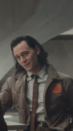 Loki Tv, Marvel Funny, Marvel Avengers, Thor, Loki Wallpaper, Avengers Wallpaper, Marvel Characters, Marvel Actors, Fictional Characters
