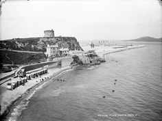 How Sea Bathing & In Particular, Seaweed Baths In Dublin, Have Changed Over The Last Years. Dublin Street, Dublin City, Old Pictures, Old Photos, History Photos, Monument Valley, Paris Skyline, Ireland, The Incredibles
