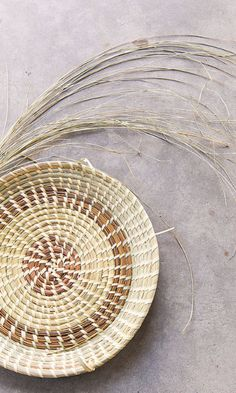 THE ANCIENT CRAFT OF GULLAH BASKET WEAVING. n the Lowcountry of Charleston, the Gullah-Geechee people keep an African tradition alive