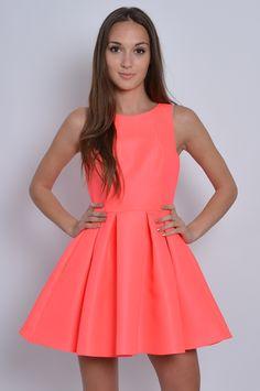 Sukienka rozkloszowana w zakładki neonowy róż XS