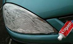 Man reibt Zahnpasta auf die Scheinwerfer vom Auto. Danach? Das ist Zauberei!