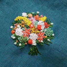 꽃다발~따라하기#프랑스자수 #소품 #미니악세사리 #취미 #맞팔 #선팔 #친구 #환영 #dailylife #embroidery #needlework #brooch