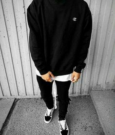 for more Streetwear Collections* Street Style Outfits Men, Men With Street Style, Men Street Wear, Street Styles, Mode Streetwear, Streetwear Fashion, Mens Style Streetwear, Vans Outfit Men, Guy Outfits