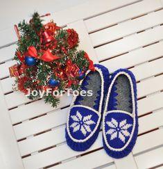 Crochet Slippers Christmas in July Star Blue Gift by JoyForToes, €37.00
