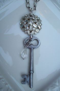 Simply stunning vintage key necklace by Keystomyheart on Etsy, $29.00
