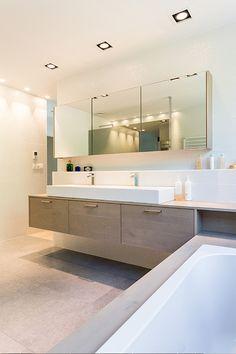 Refine your bathroom to your taste with the VIGO Davidson Single Hole Bathroom F. Industrial Bathroom Design, Modern Bathroom Design, Bathroom Interior Design, Interior Livingroom, Bathroom Renos, Bathroom Faucets, Bathroom Renovations, Modern Small Bathrooms, Contemporary Bathrooms