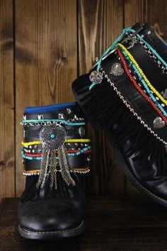 Justin Basics - size 8 1/2 Embellished with faux suede fringe, silver and other colorful beads, rescued belts, suede strips and leather tassels.... Boho Boots, Patagonia Pullover, Southern Marsh, Southern Tide, Southern Prep, Minimal Classic, Models Off Duty, Leather Tassel, Preppy