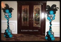 Sweet 16 columns with ostrich feathers Sweet 16 Decorations, Mardi Gras Decorations, Balloon Decorations, Balloon Ideas, Sweet 16 Masquerade, Masquerade Party, Balloon Columns, Balloon Arch, Sweet 16 Birthday