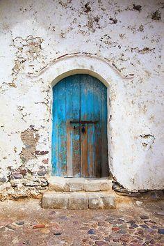 Old blue door Cool Doors, Unique Doors, Door Hinges, Door Knobs, Knobs And Knockers, Vintage Doors, Rustic Doors, Painted Doors, Closed Doors