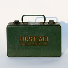 Vintage First Aid Kit by Restoration Harbor. We love this gift for doctor/nurse dads and grads in the medical field!