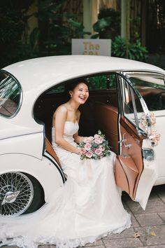 Bride in classic vin