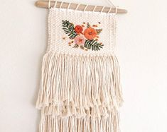 Natural cotton weaving with ebroidery // embroidered weaving // floral weaving – Macrame Weaving Projects, Weaving Art, Tapestry Weaving, Loom Weaving, Art Projects, Art Hippie, Crochet Wall Hangings, Design Floral, Micro Macramé
