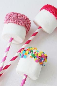 Marshmallow Pops are the easiest snack to make ever! All you need is marshmallows, sprinkles, chocolate and cute paper straws! These are the perfect snack to bring to your kids' school for Valentine's Day or just for a sweet treat!