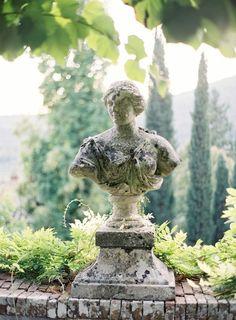 ♡ @michaelsusanno @emmammerrick @emmasusanno #statuebust #foragarden