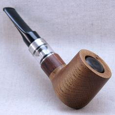 A mechano pipe mod powered by one 18350 Li-ion battery and equipped with Joyetech Cubis 2 MTL tank. The bowl is carved out of old oak wood and the shank is accented with bubinga wood insert. E Pipe, Wood Insert, Wenge Wood, Shank, Vape, Carving, Smoke, Pipes, Electronic Cigarette