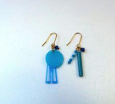 青色のものからできているピアス。日常のそこかしこから色を集めてみました。|ハンドメイド、手作り、手仕事品の通販・販売・購入ならCreema。