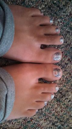 Here is a picture of my pedicure for the 4th of July. I am wearing one of Jamberry's holiday wraps; Ka Boom.