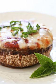Veggie Lasagna Stuffed Portobello Mushrooms | Skinnytaste.com | Bloglovin'