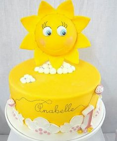 You are my Sunshine Birthday Party Food Ideas and Recipes A bite of any of these food ideas will surely brighten up the day of your beloved family and friends who came to party. You are my Sunshine Birthday Party Cakes and Cupcakes Sunshine Birthday Parties, 1st Birthday Parties, Birthday Ideas, First Birthday Cakes, 1st Birthday Girls, Sun Cake, Sunshine Cake, Just Cakes, Girl Cakes