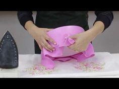 Este vídeo mostra a confecção passo a passo de bolo falso para decoração de festa infantil do tema Branca de Neve. Após terminar o bolo, preferi alterar algu...