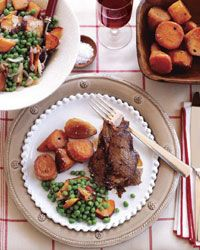 This Christmas goose dinner menu from legendary chef Jacques Pepin includes roasted goose, maple-baked sweet potatoes and buche de noel. Goose Recipes, German Christmas Cookies, Jacque Pepin, Buttery Cookies, Dinner Menu, Dinner Ideas, Holiday Recipes, Holiday Treats, Wine Recipes