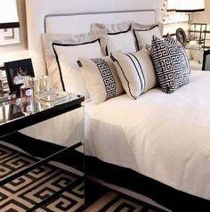 Black & White Bedroom Elegant and Classy Decor