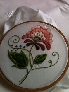 crewel embroidery...a beautiful example!