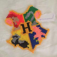 Hogwarts Crest Harry Potter perler beads by myperlercreations