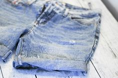 How to make your JEANS INTO SHORTS with easy-to-follow steps and pictures. Really helpful!