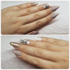 Takie wyszły :) #semilac #diamondcosmetics #ilovesemilac #nailart #nails #hybryda #hybrid #manicure #mani #biscuit #littlestone #golddisco