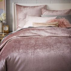 Sleep Softly - 19 Velvet Pieces We NEED In Our Homes - Photos