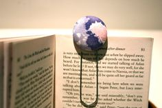 Looking for a sweet and novel bookmark?  Handmade, genuine vintage fabric covered button on top of a giant paper clip?  TICK!