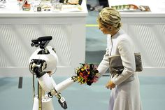 Queen Maxima & Robot Amigo