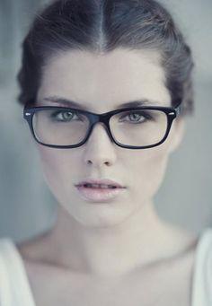 Glases Tendências De Óculos, Usando Óculos, Óculos De Grau Feminino,  Acessórios De Moda a8c786d198