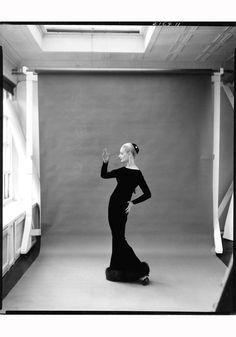 1940s/1950s   Joan Pedersen Wearing Traina-Norell. © Richard Avedon