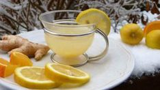Need a Ginger tea for weight loss? How Can Ginger Tea Help You Lose Weight Naturally? Making ginger tea for weight loss is simple.The benefits of ginger tea Homemade Colon Cleanse, Homemade Detox, Weight Loss Water, Weight Loss Drinks, Jus Detox, Detox Bad, Troubles Digestifs, Ginger Benefits, Drink