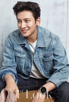 Korean stars Song Ji Hyo and Ji Chang Wook launches Fossil Q smartwatches - Page 3 of 3 - Marie Claire Malaysia Ji Chang Wook Smile, Ji Chang Wook Healer, Ji Chan Wook, Korean Star, Korean Men, Asian Men, Asian Actors, Korean Actors, Korean Dramas