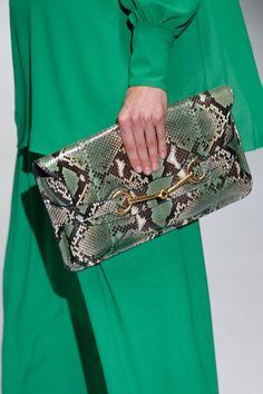 Bolso de mano con animal print de Gucci