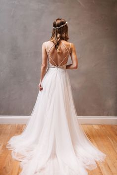 Sexy Beach Backless Wedding Dresses and Gowns, Lace Tulle A-line Wedding Dress OK105