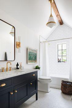 Bathroom Kids, White Bathroom, Bathroom Interior, Remodled Bathrooms, Colorful Bathroom, Neutral Bathroom, Bathroom Trends, Kids Bath, Basement Bathroom
